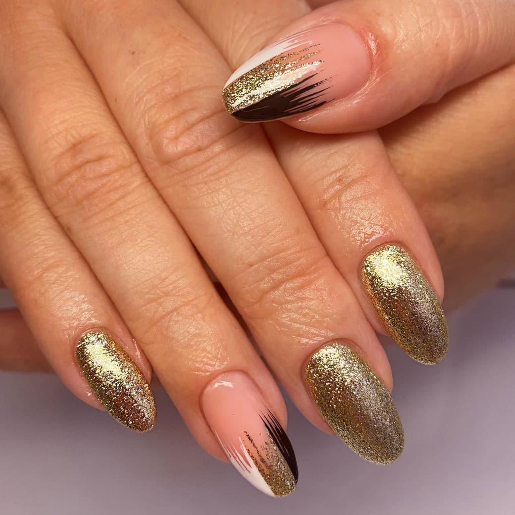 Golden autumn nails