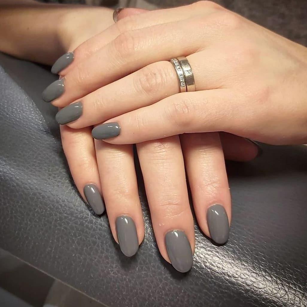 Gray autumn nails