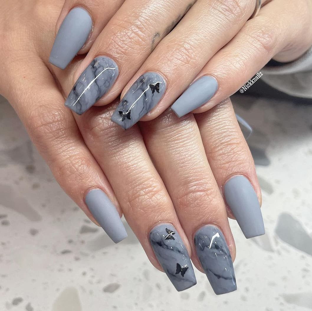 Gray butterfly nails