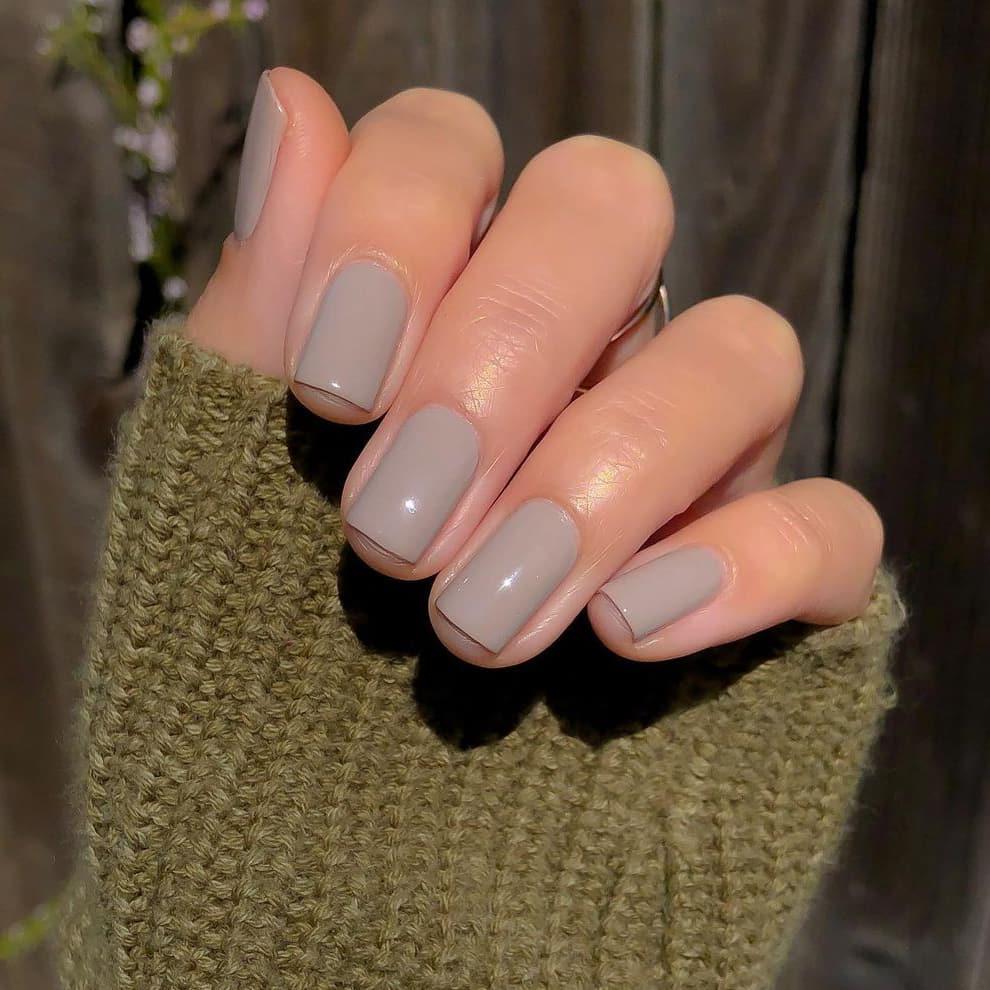 Milk gray nails