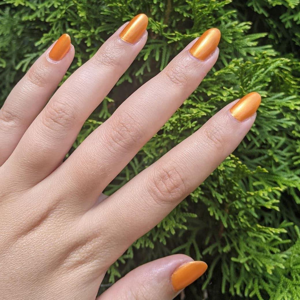 Orange autumn nails