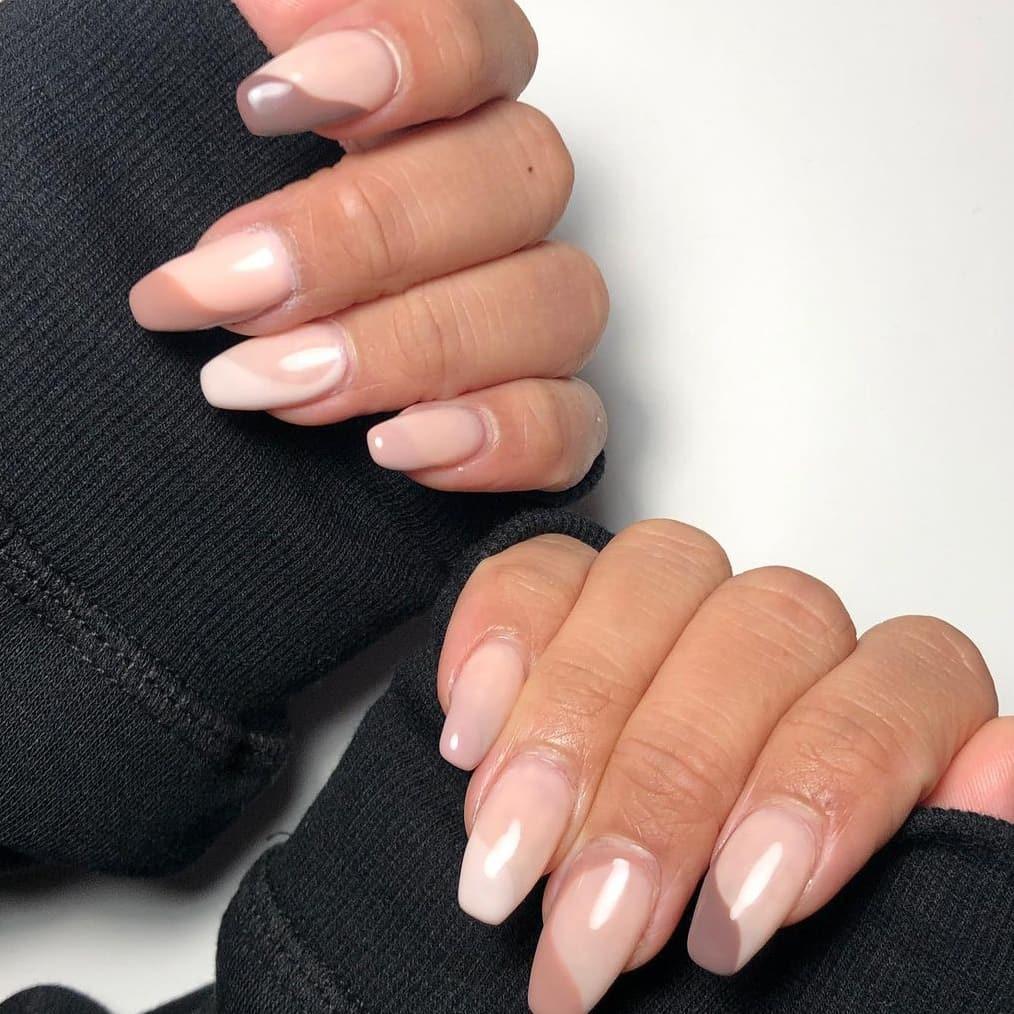 Pastel-toned autumn nails