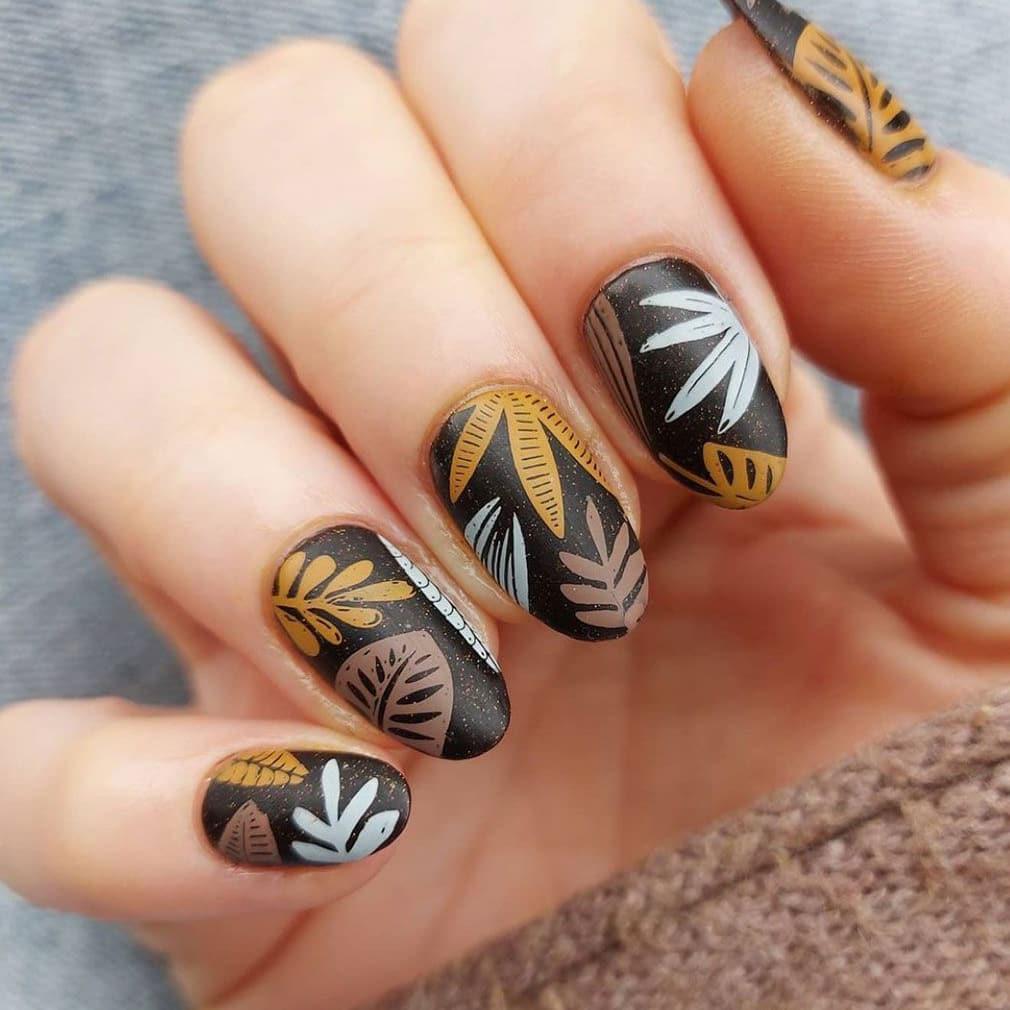 Plant autumn nails