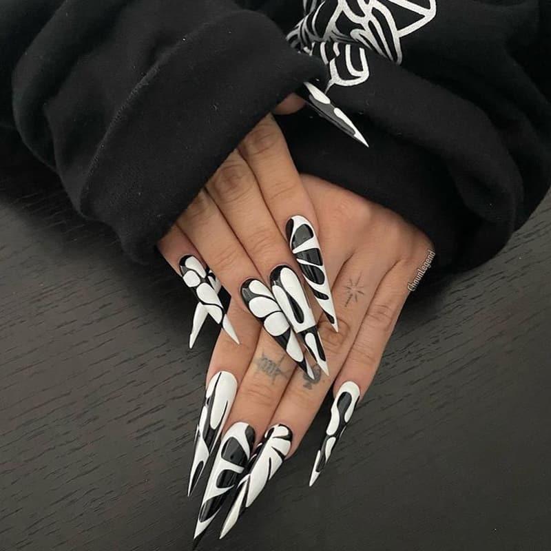 Stiletto black and white nails