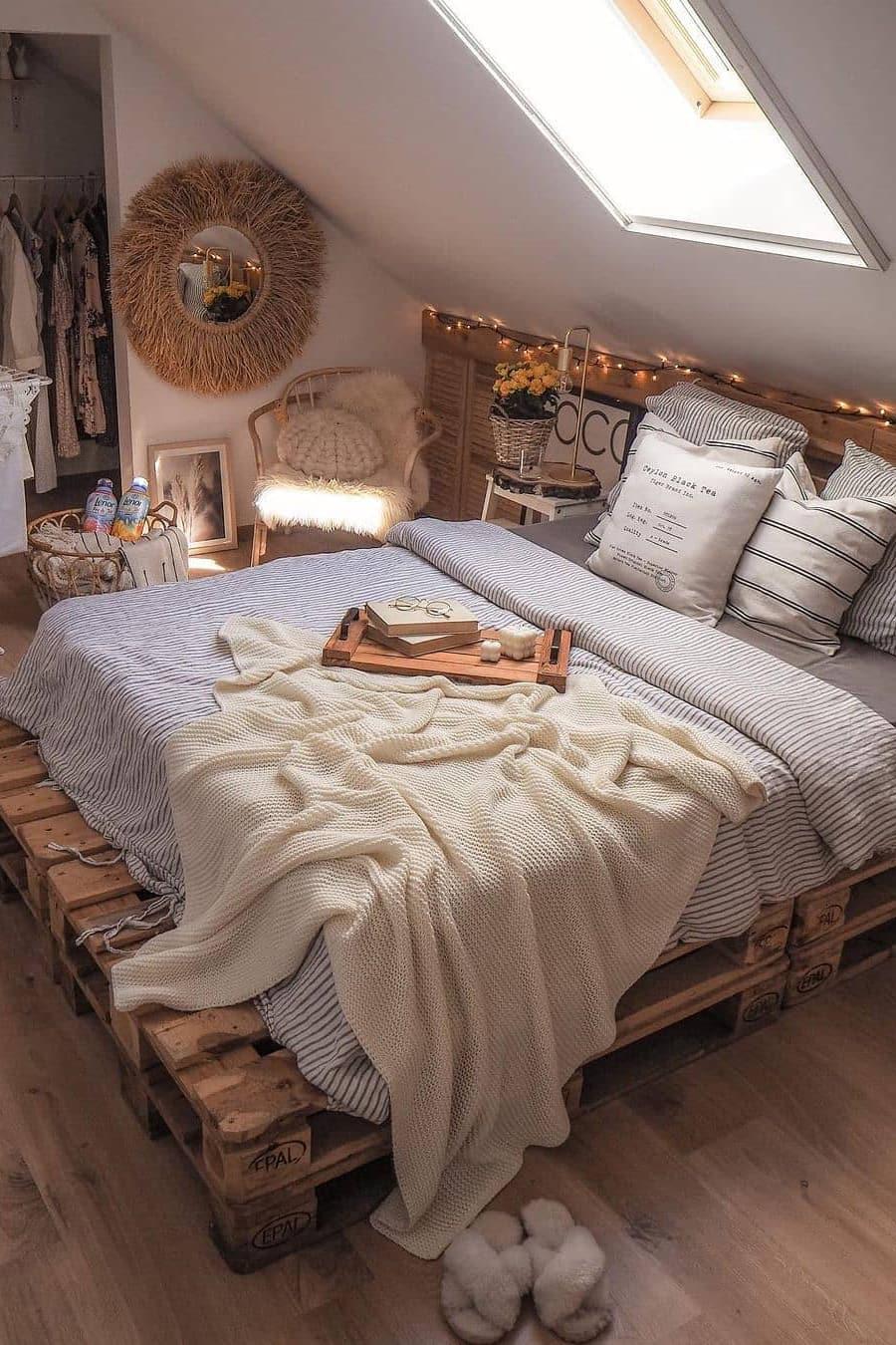 Unique small bedroom bed