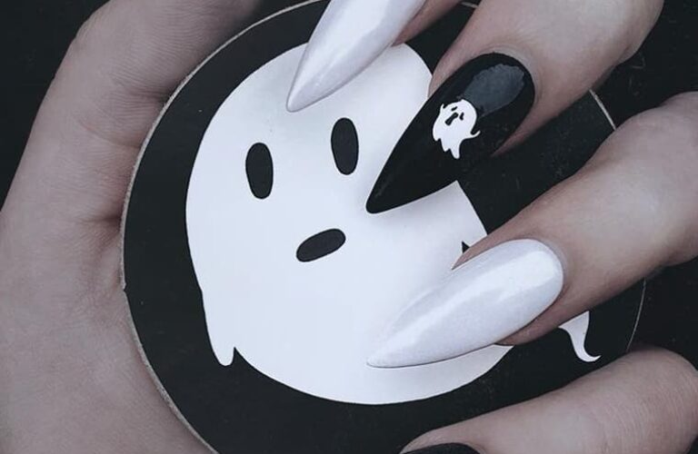 20 Amazing Long Halloween Nail Art Designs For 2021