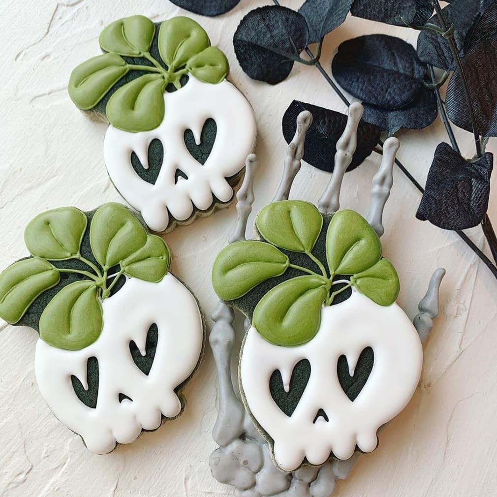 Cute skull cookies