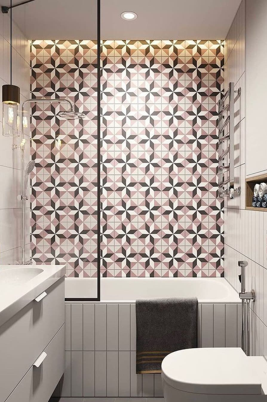 Eye-catching small bathroom decoration
