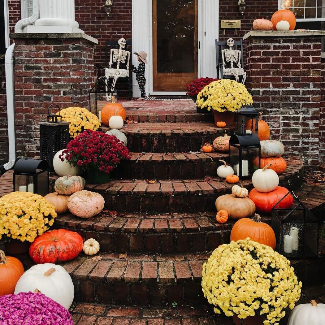 Gorgeous floral Halloween porch