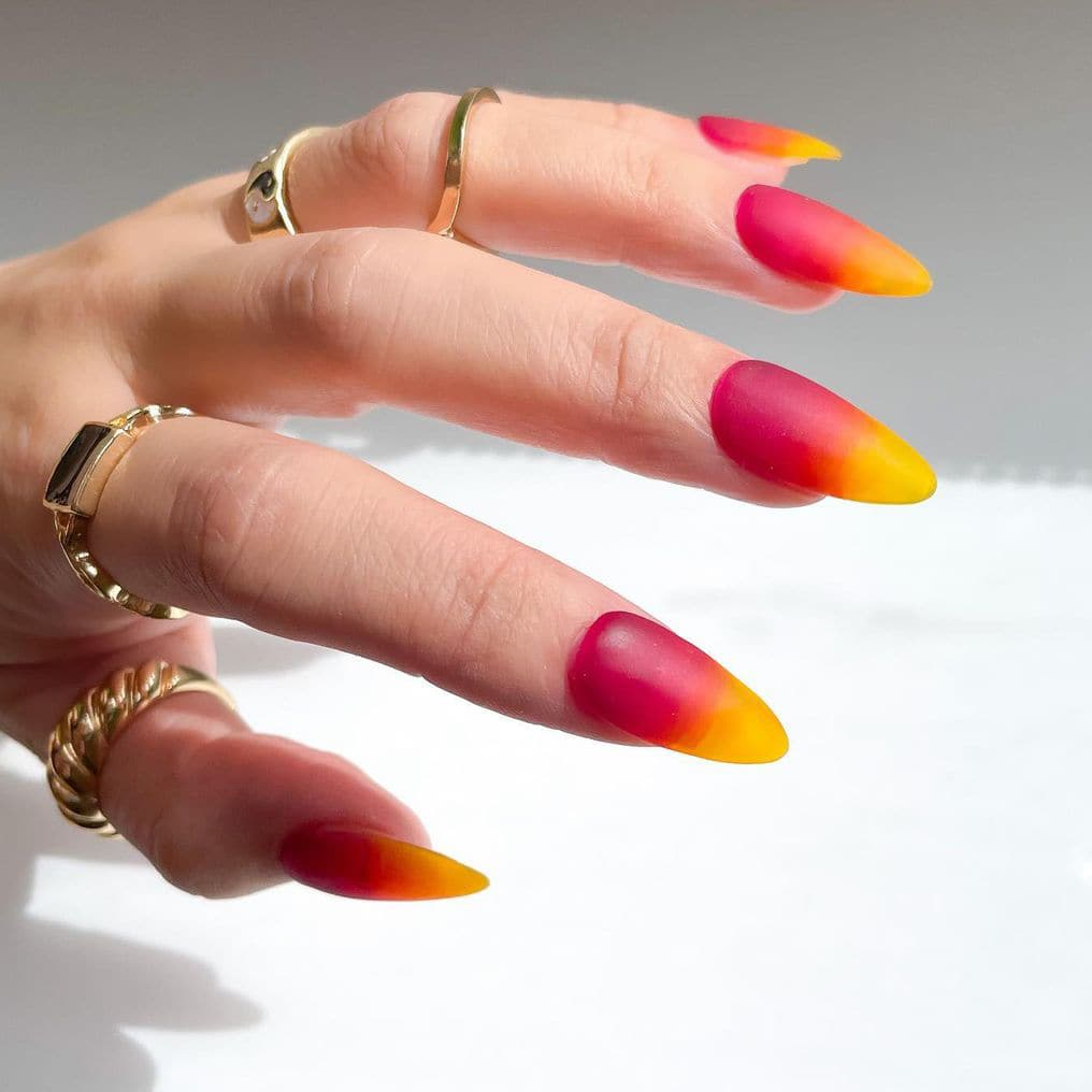 Gradient jelly nails