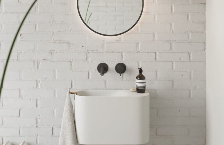 29 Small Bathroom Decorating Ideas You Can Easily Implement