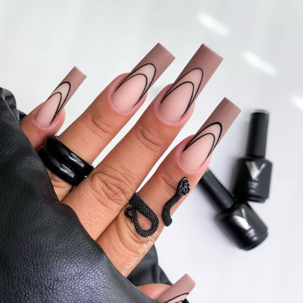 Black and brown nails