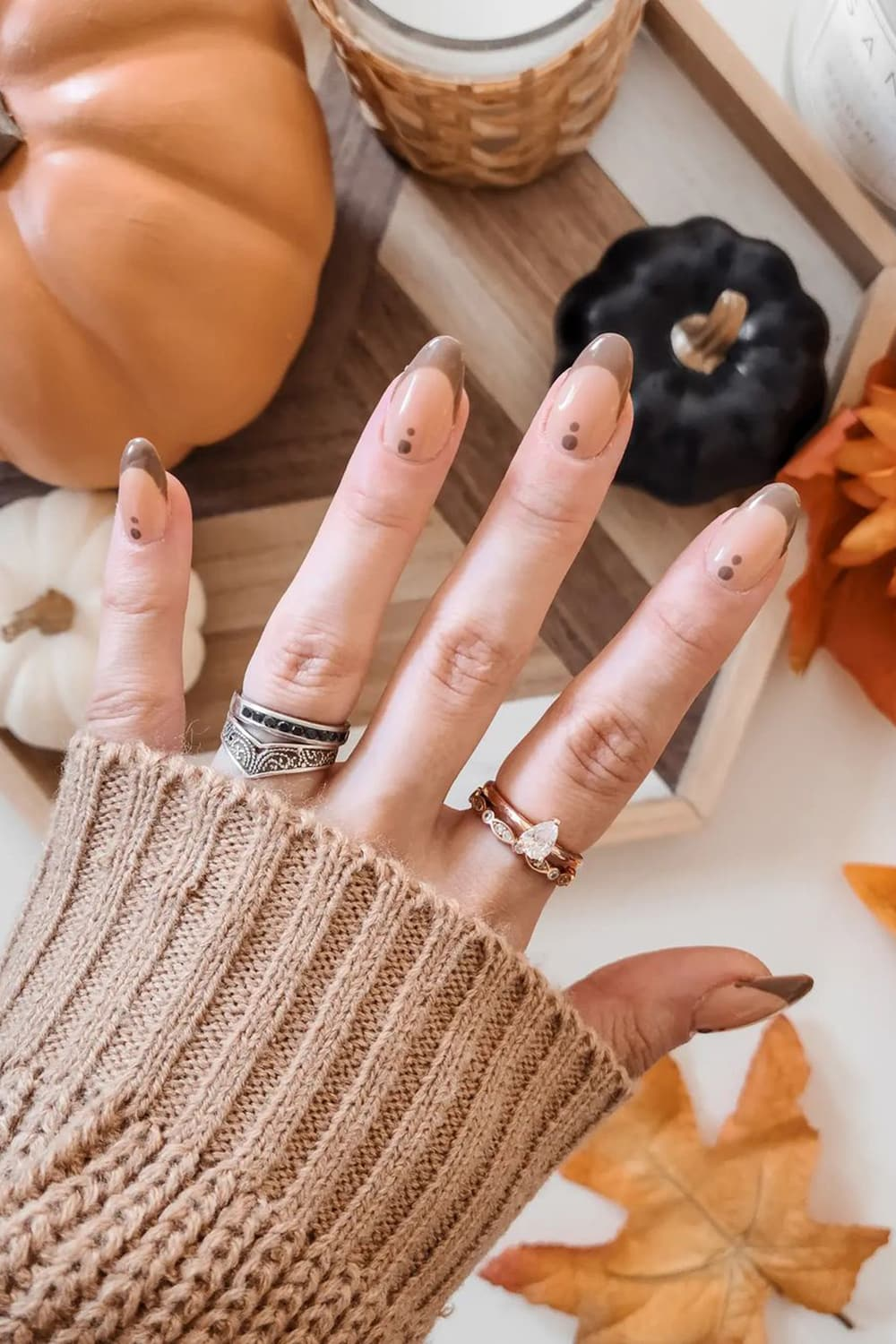 French brown nails
