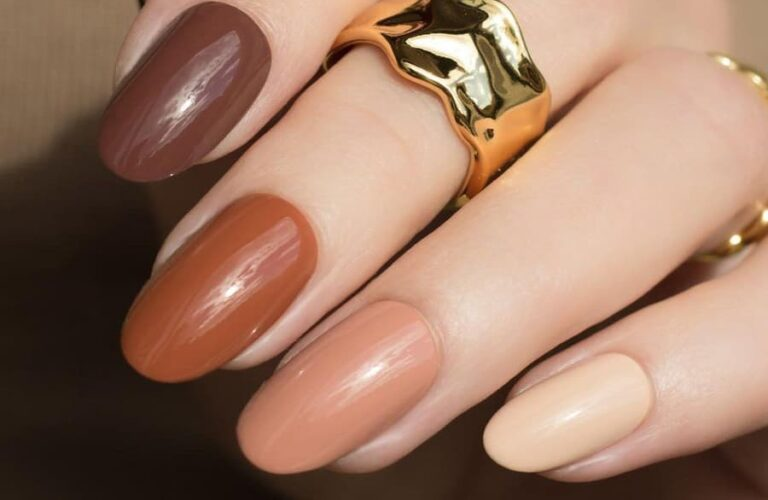 35 Stylish Brown Nail Designs For Fall and Winter