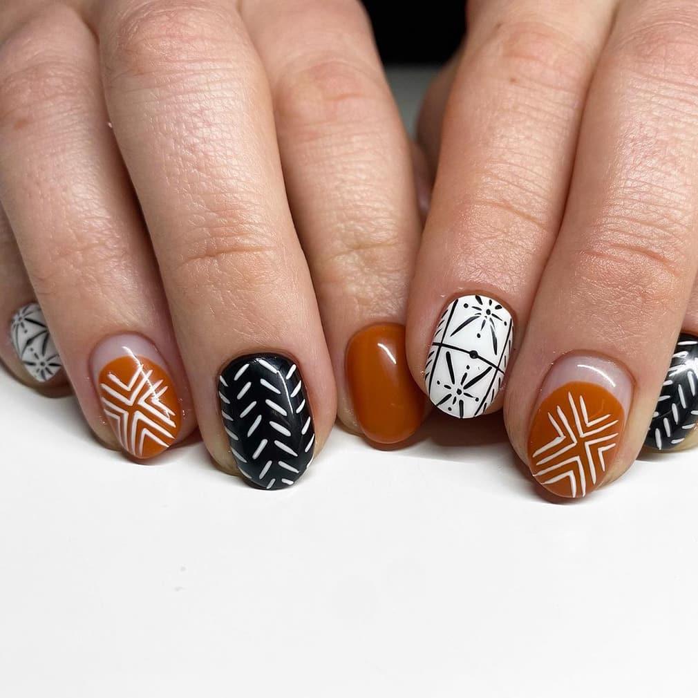 Symbol boho nails