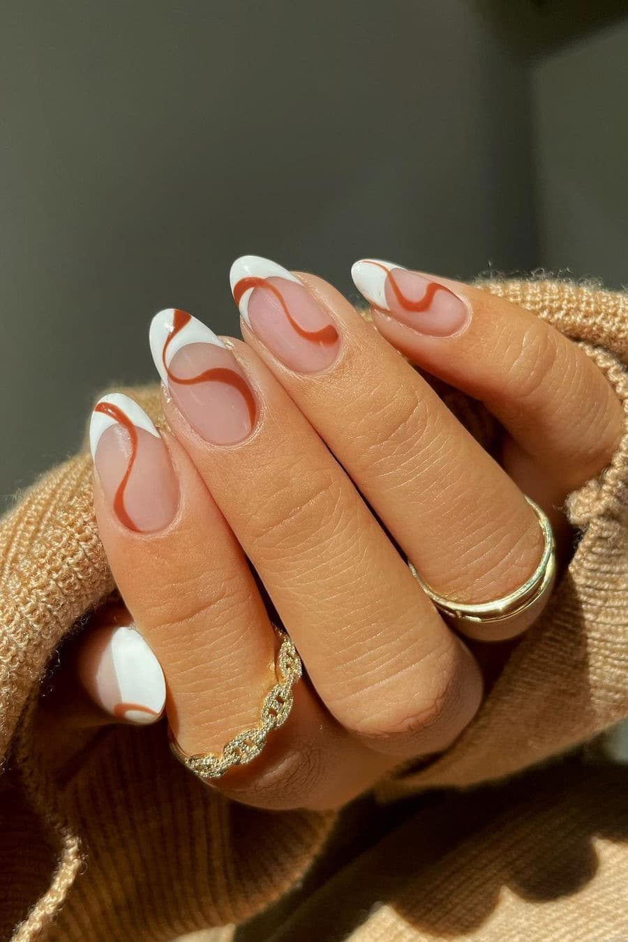 White and brown nails
